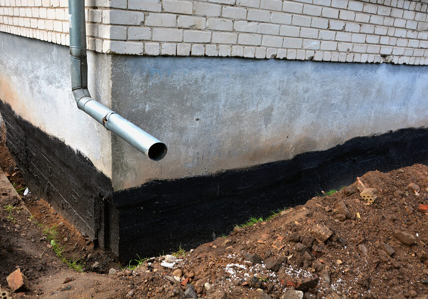 waterproofing city flat house foundation with bitumen